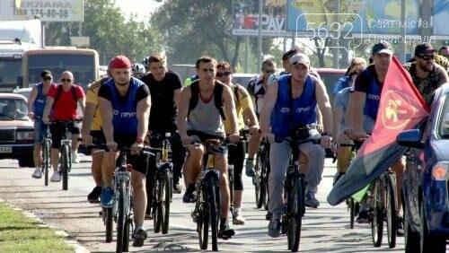 Мэр Павлограда проехался по городу на оригинальном велосипеде, фото-3