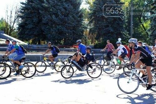Мэр Павлограда проехался по городу на оригинальном велосипеде, фото-5