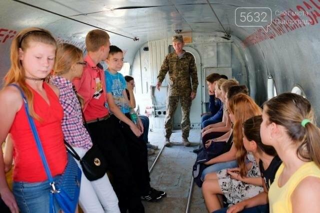 У школярів з'явилася можливість відвідати військове містечко у Гвардійському, фото-1