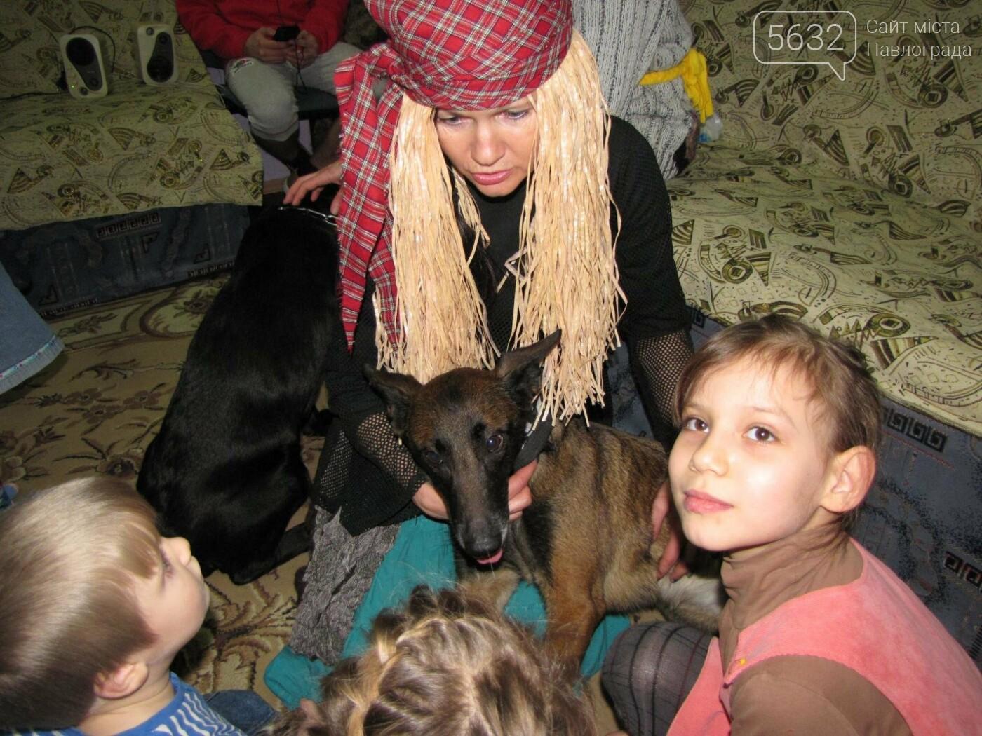 Павлоградські кінологи подарували малюкам Донеччини новорічне свято, фото-5