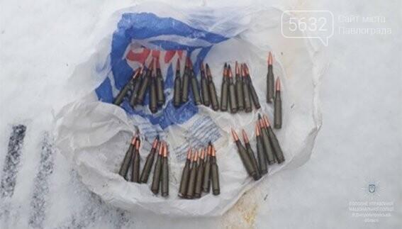 Тернівчанин з наркотиками та боєприпасами підривав біля школи петарди, фото-2