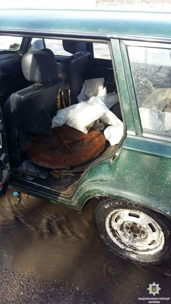Тернівські поліцейські затримали підозрюваного у крадіжці люків, фото-1
