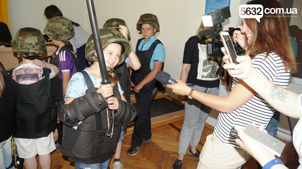Шахтеры и полицейские поменялись детьми на один день , фото-2