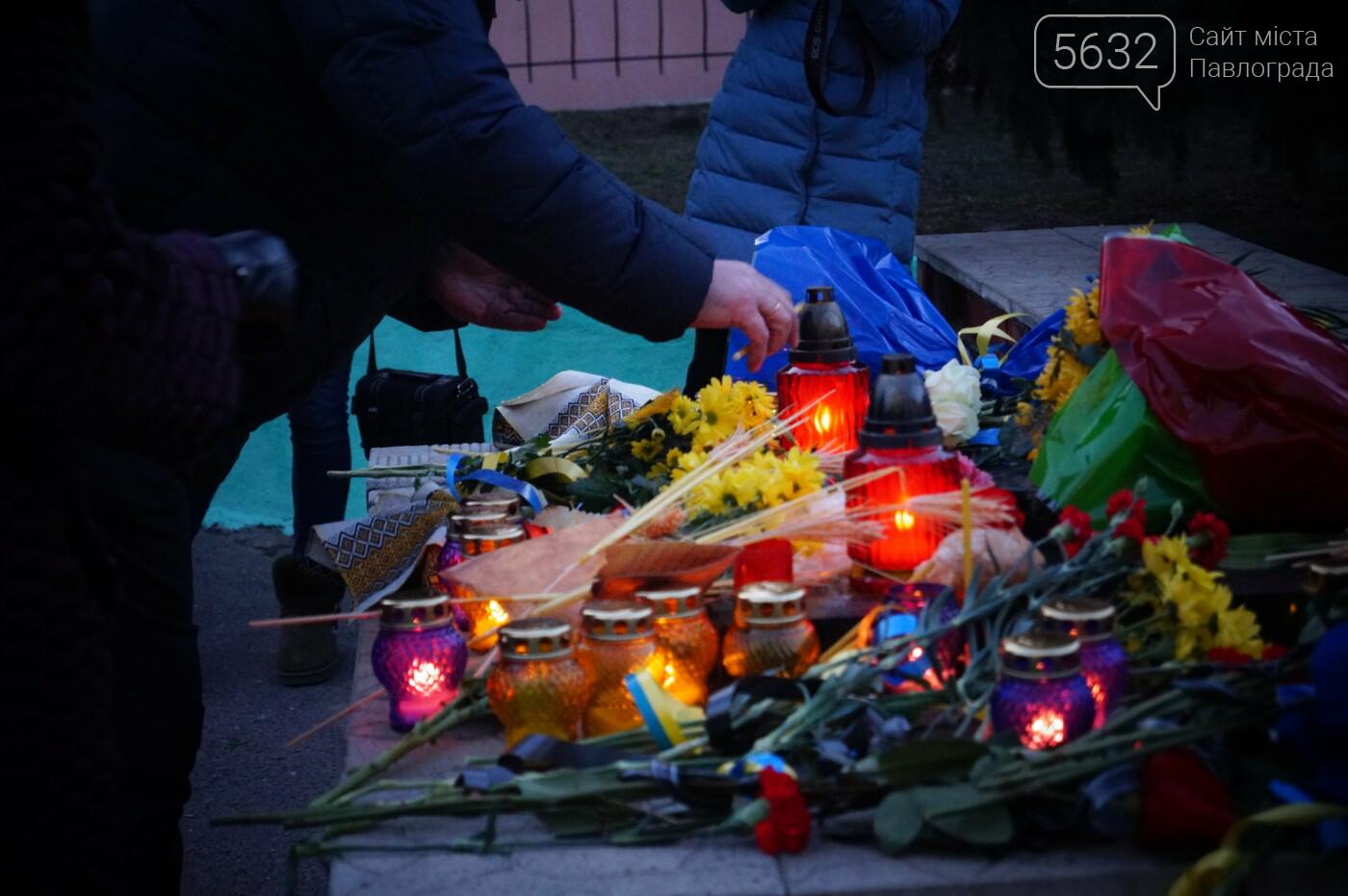 У місті пройшов мітинг пам'яті до Дня вшанування пам'яті жертв голодомору (ФОТОРЕПОРТАЖ), фото-18