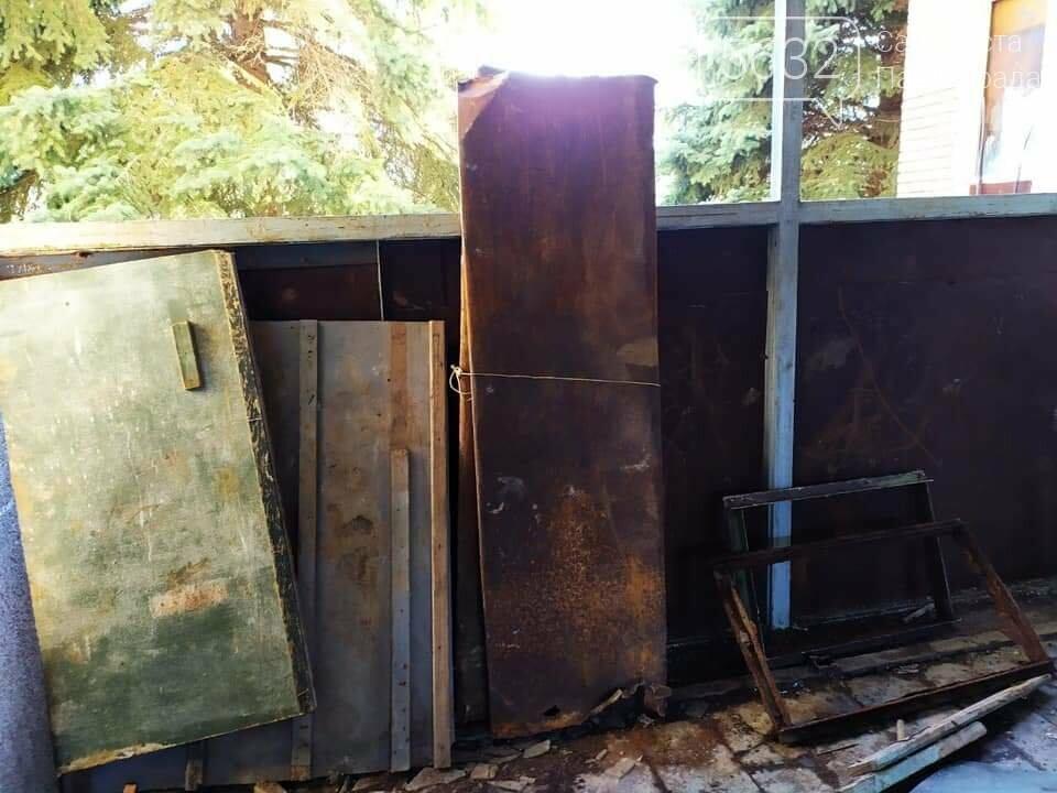 В Павлограде задержали вандала, разбиравшего заброшенный бассейн «Дельфин», фото-2