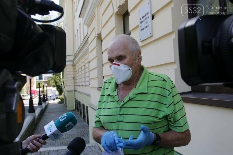 Из больницы им. Мечникова выписали двух пожилых жителей области, переболевших коронавирусом, фото-2