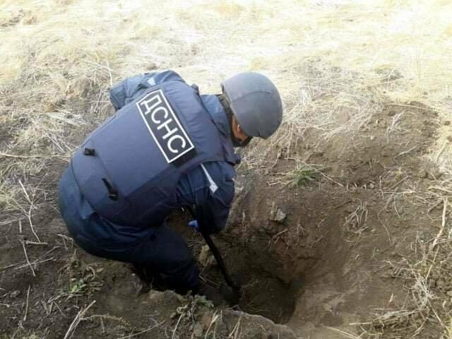 В Павлограде коммунальщики нашли устаревший артиллерийский снаряд (ПОДРОБНОСТИ), фото-7