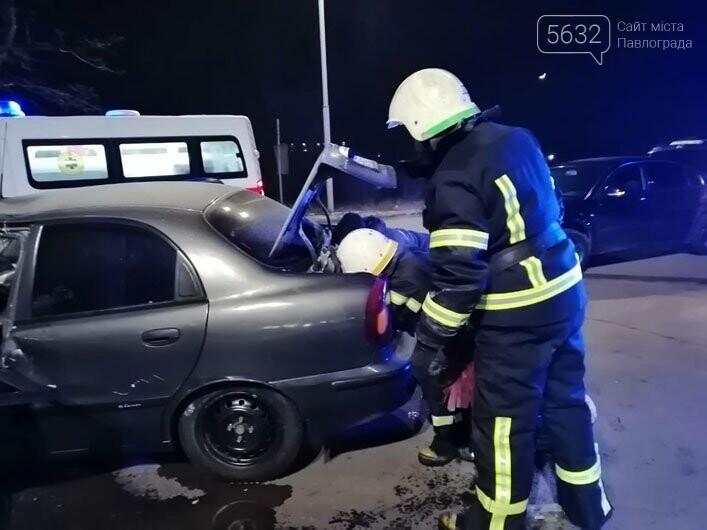 В Павлограде столкнулись грузовик и легковушка: есть пострадавший (ФОТО), фото-4