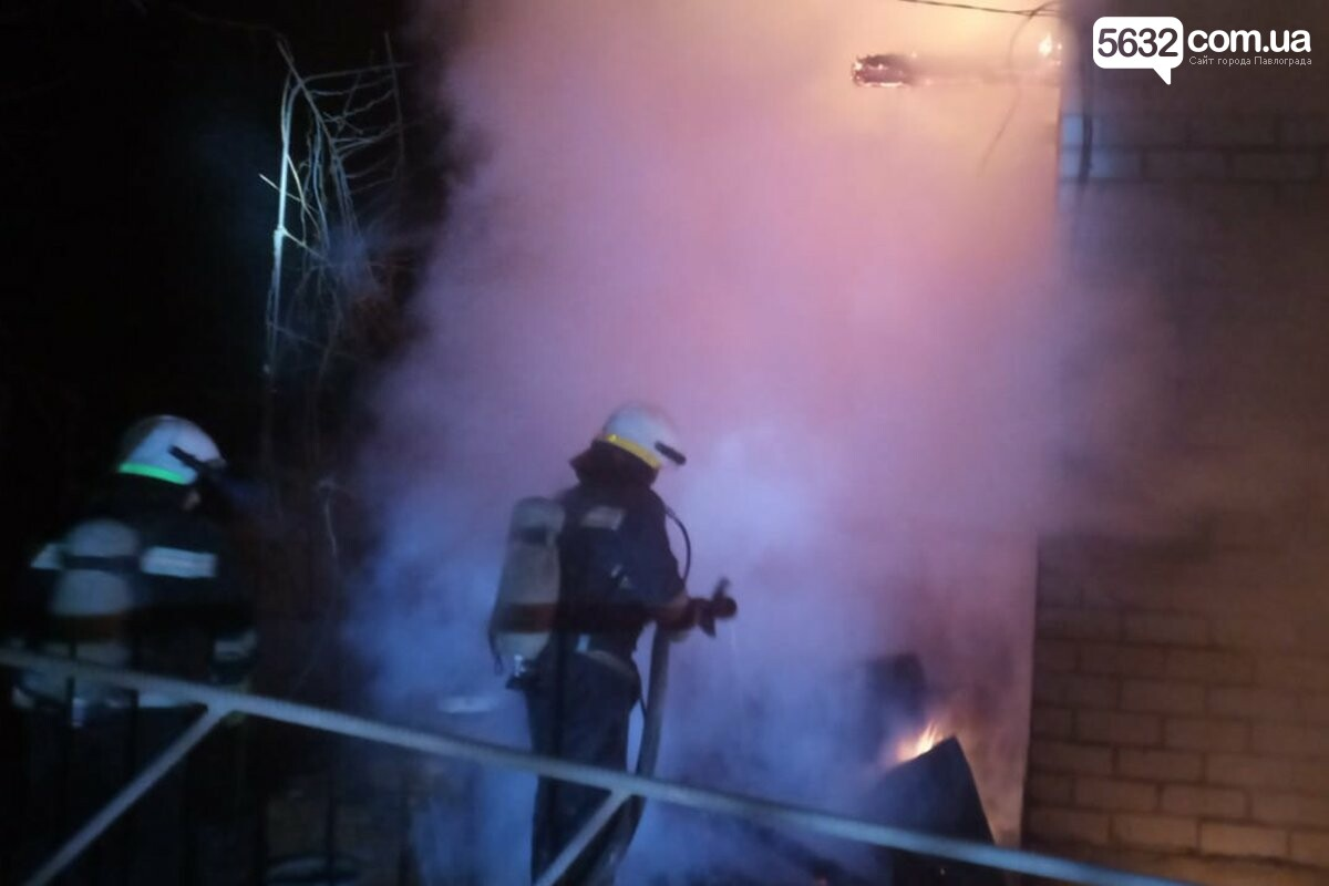 В Павлограде горел дачный дом: пламя полыхало из окон и на крыше (ФОТО), фото-2