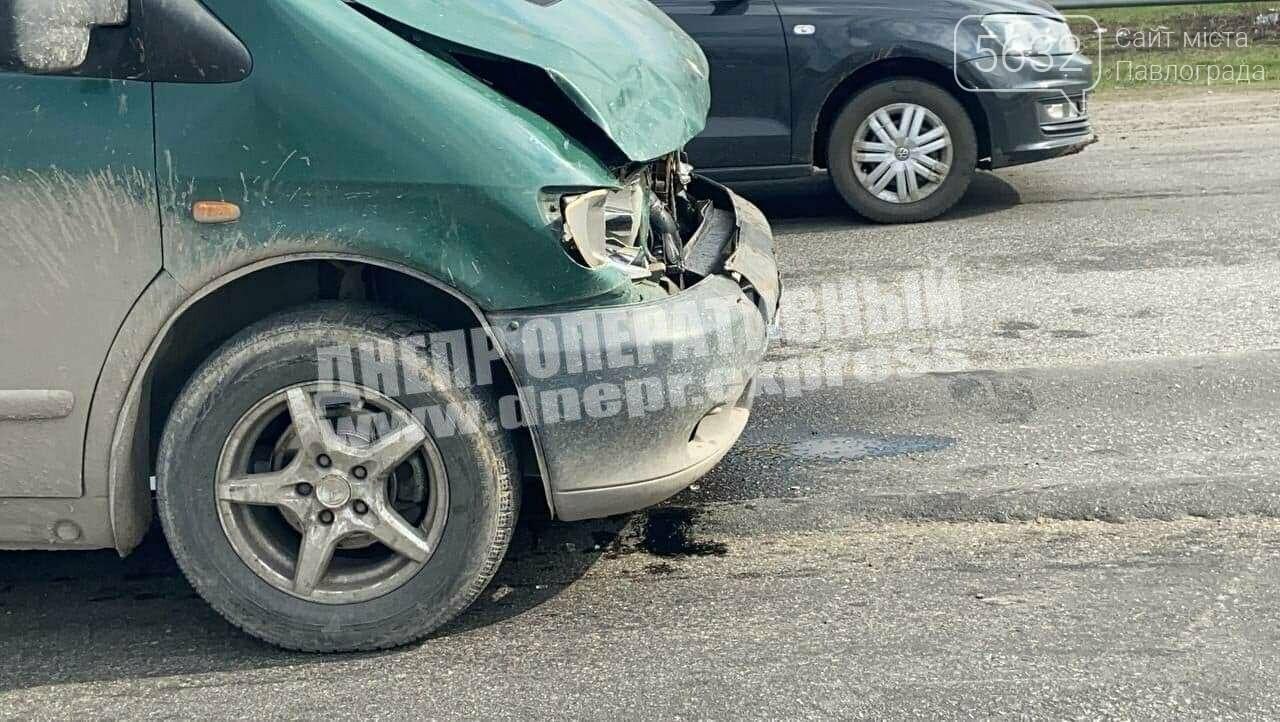 На трассе Днепр-Павлоград столкнулись два автомобиля: есть пострадавший, фото-3