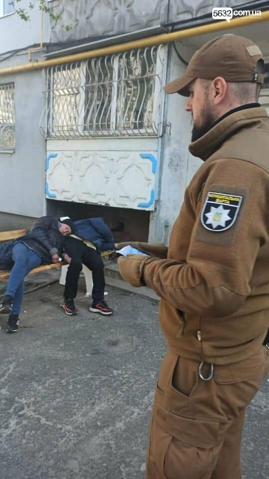 Второй случай за неделю: в Детском парке оказали помощь мужчине, потерявшему сознание (ФОТО), фото-6