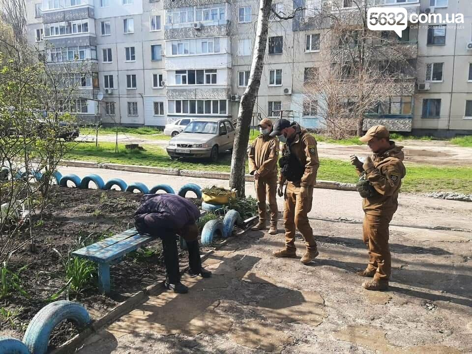 Второй случай за неделю: в Детском парке оказали помощь мужчине, потерявшему сознание (ФОТО), фото-5