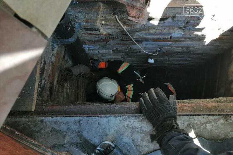 В Богуславе пожилой мужчина упал в 3-метровую скважину, фото-1