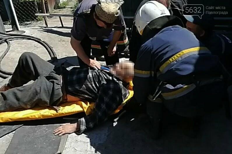 В Богуславе пожилой мужчина упал в 3-метровую скважину, фото-3