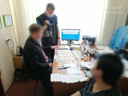 В Павлограде семейный врач продавал «липовые» справки с отрицательным результатом на COVID-19, фото-1