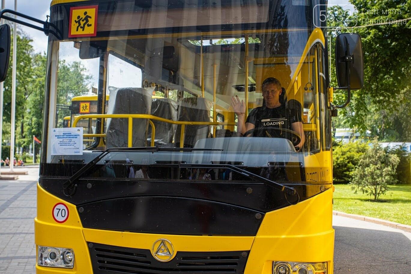 13 новых школьных автобусов отправились в сельские учебные учреждения Днепропетровщины (ФОТО), фото-4