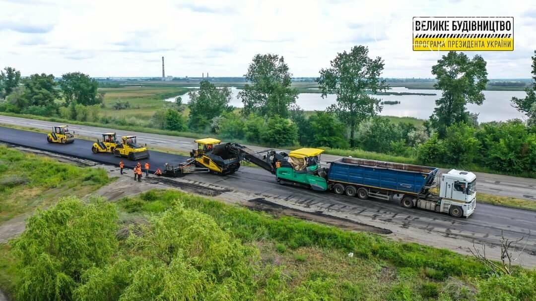 На трассе Павлоград-Днепр кипят ремонтные работы (ФОТО), фото-3