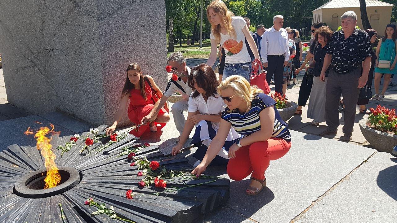 На Днепропетровщине команда Александра Вилкула почтила память павших в Великой Отечественной войне, фото-2