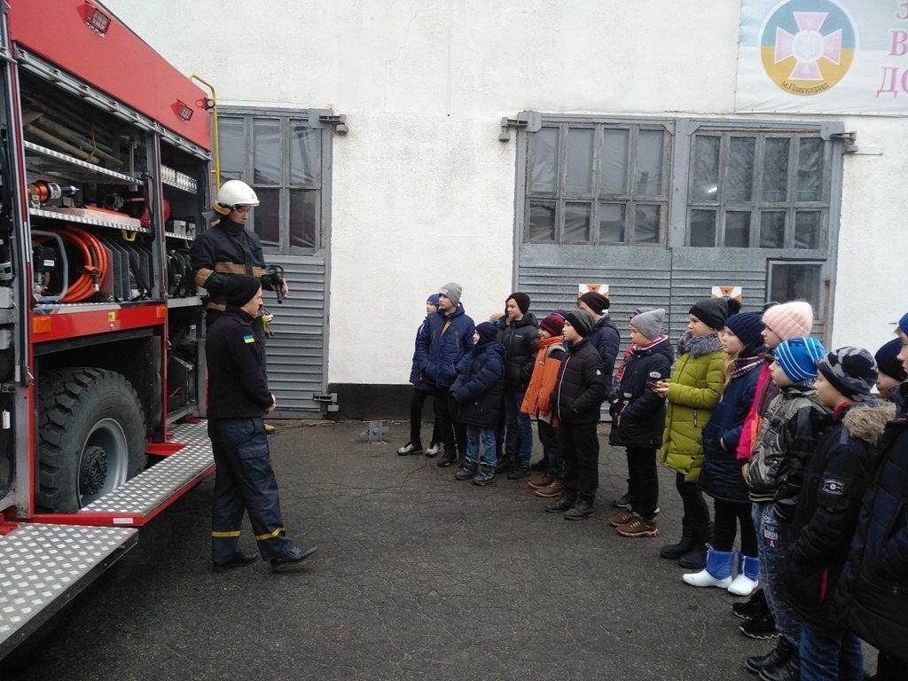 Павлоградские шестиклассники побывали в гостях у спасателей , фото-2