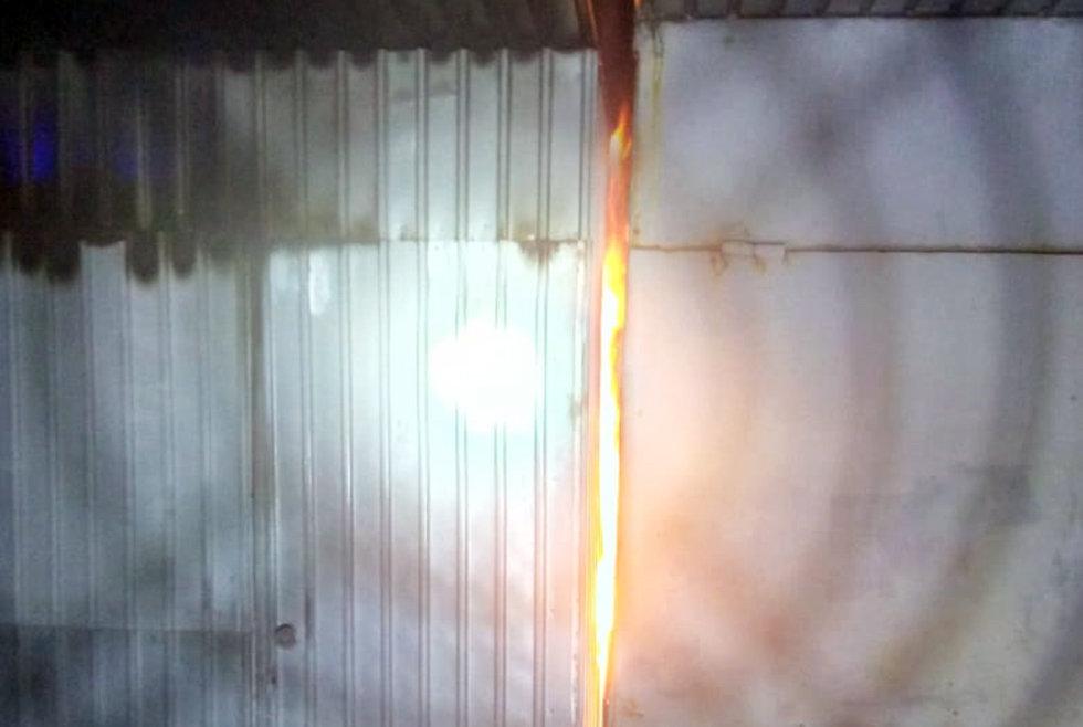 В Павлограде горела торговая площадка, фото-1