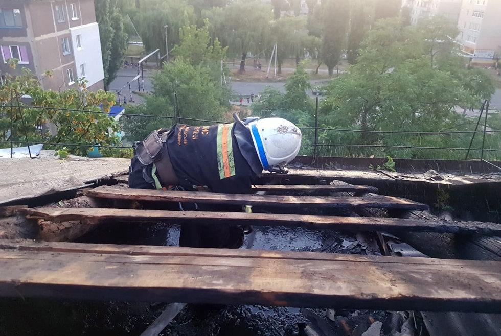 В Павлограде на Западнодонбасской тушили пожар в 5-этажном доме (ФОТО), фото-3