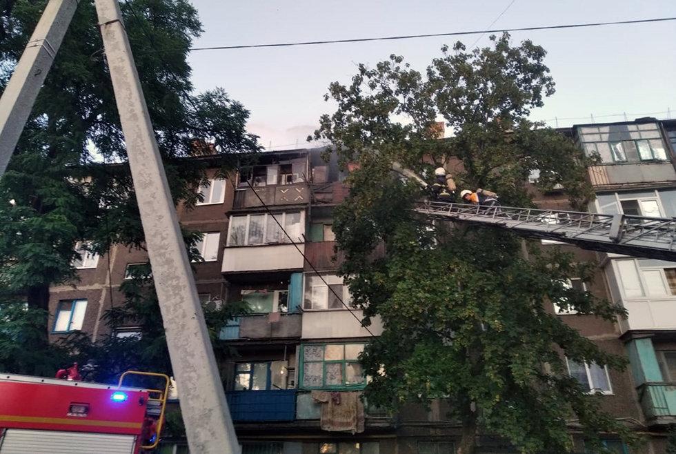 В Павлограде на Западнодонбасской тушили пожар в 5-этажном доме (ФОТО), фото-4