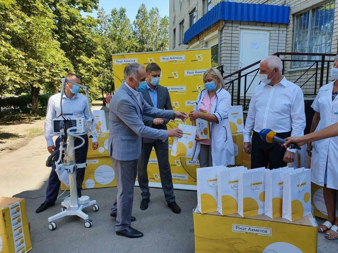 Павлоградской больнице интенсивного лечения передали пять аппаратов искусственной вентиляции легких (ФОТО), фото-1