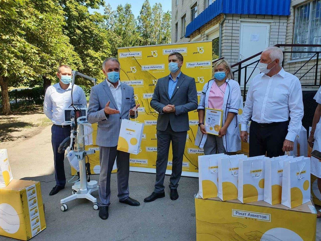 Павлоградской больнице интенсивного лечения передали пять аппаратов искусственной вентиляции легких (ФОТО), фото-3