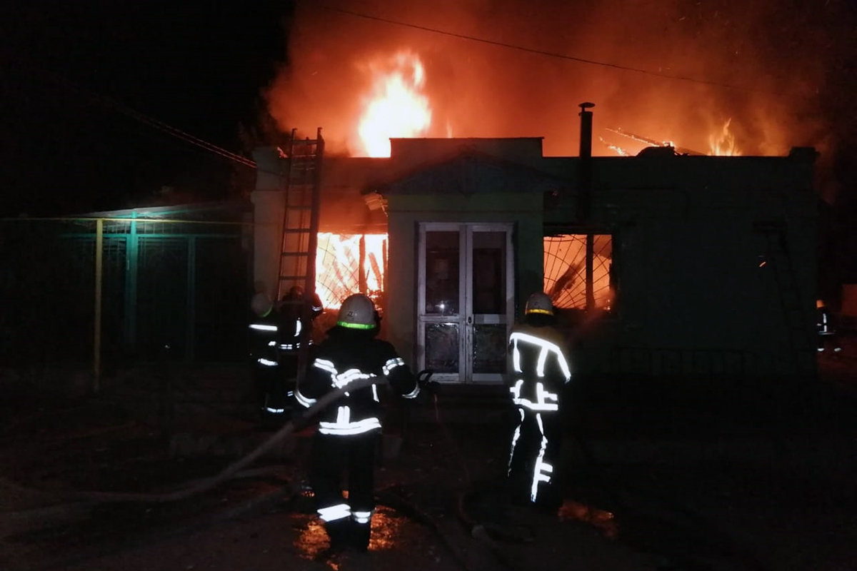 В Павлоградском районе горел магазин продовольственных товаров (ВИДЕО), фото-2