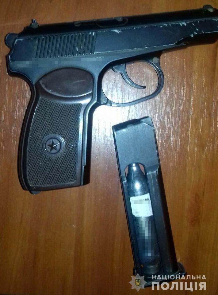 За попытку кражи из магазина полицейские Петропавловки задержали вооруженного мужчину, фото-3